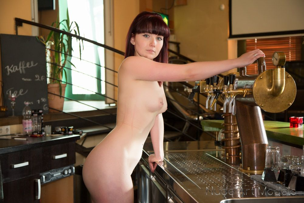 Video Teen Nude In A Bar 39